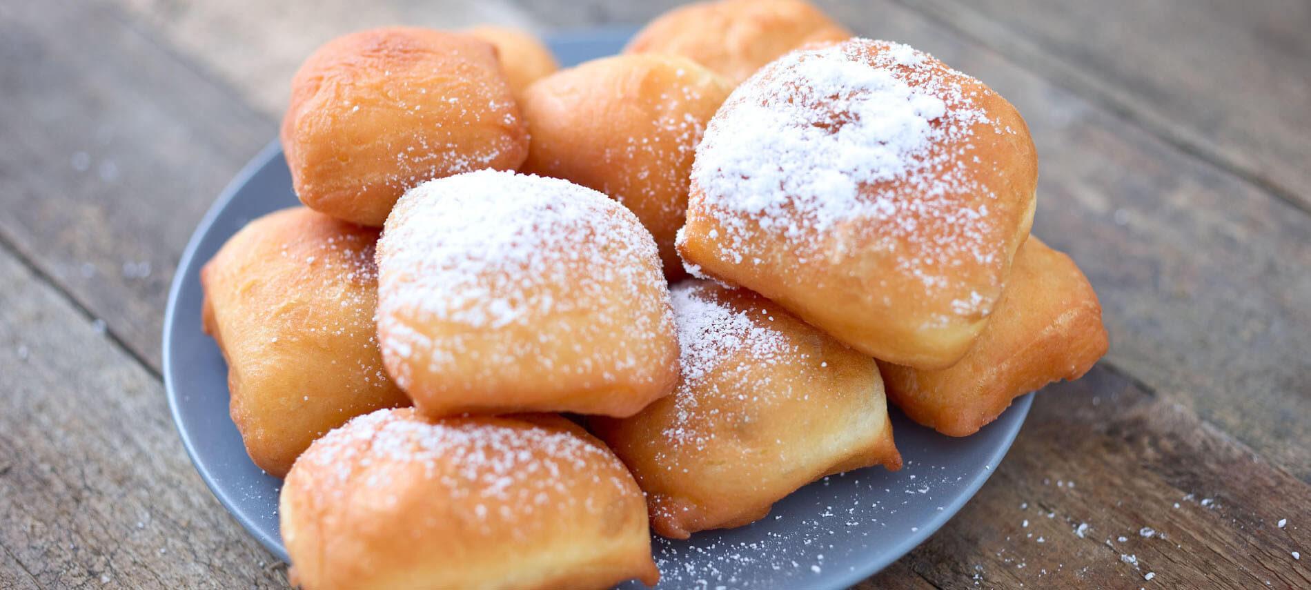 Beignets with powdered sugar