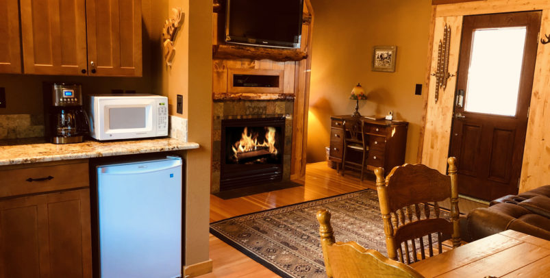 Cascade Luxury Suite with fireplace